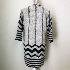 Forever 21 Sweaters - Forever 21 3/4 Sleeve Duster Black & White M